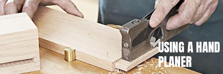 Using-a-hand-planer