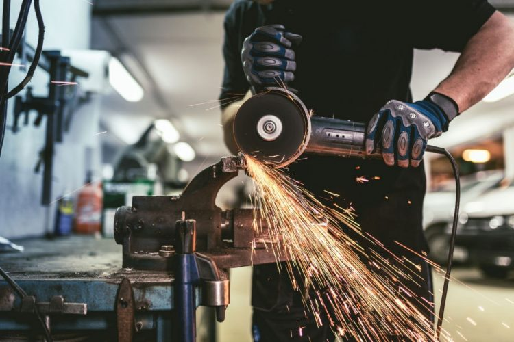 Angle Grinder Uses for Various DIY and Commercial Projects