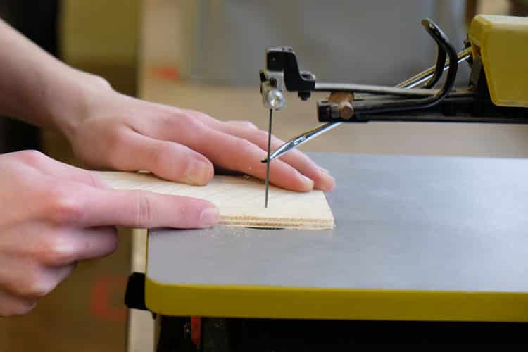 Different Scroll Saw Uses to Help You Enhance Your Craftsmanship