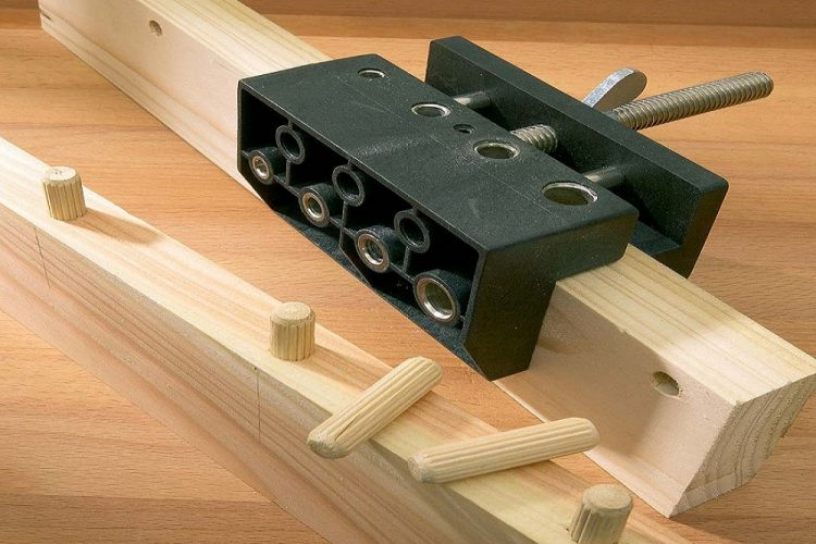 How to Use a Doweling Jig – 9 Easy Steps with Safety Precautions