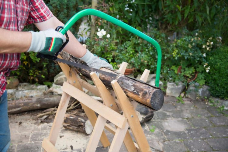 How to Use a Sawhorse – A Detailed Guide by Pro Woodworkers