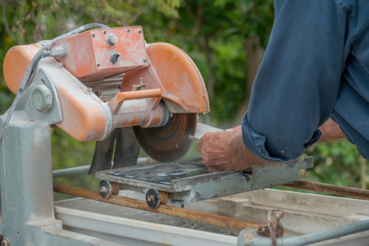 Tile Saw Blade Replacement Guide: When & How to Do It?