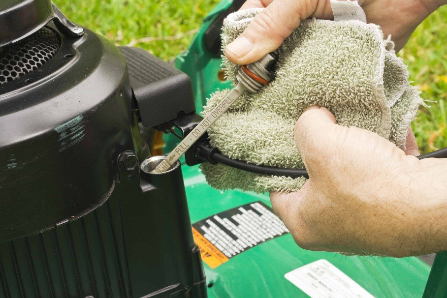 lawn mower maintenance: Check the oil