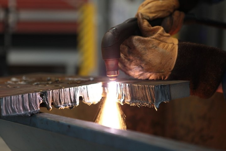Plasma Cutter Gas and Your Options
